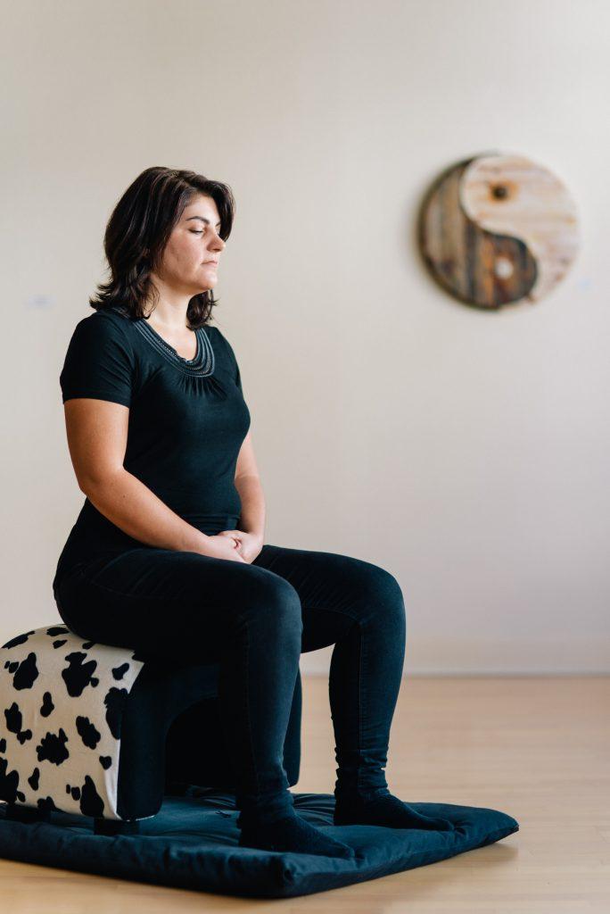 Meditation auf einen Riesenkissen